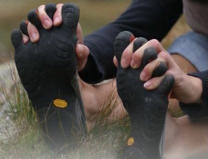 zapatillas-con-dedos.jpg